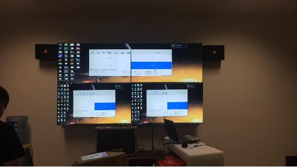 红河州科技局LCD拼接屏显示系统日前顺利竣工并通过红河州科技局验收